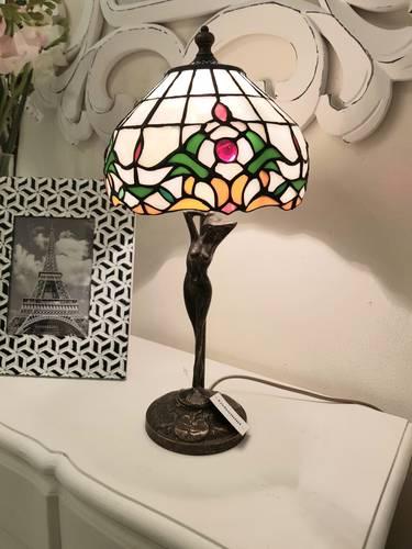Lampada tiffany bianca con gemma base liberty 45h