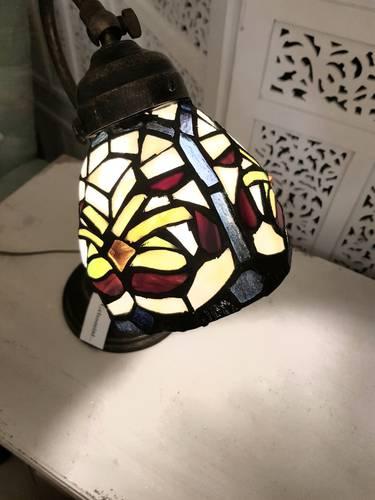 Lampada tiffany da comodino verde e viola h34