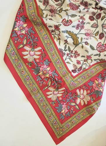 Mezzero telo arredo fiori rosa bordo rosso 180x270