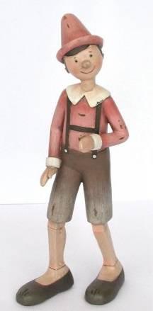Pinocchio rosa in movimento