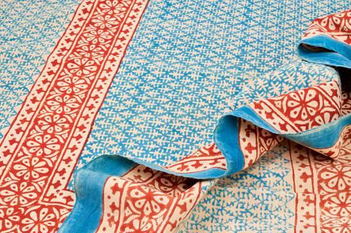 Tovaglia cotone azzurro bordo rosso 140x240