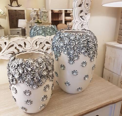 Vaso ceramica fiori azzurri a rilievo